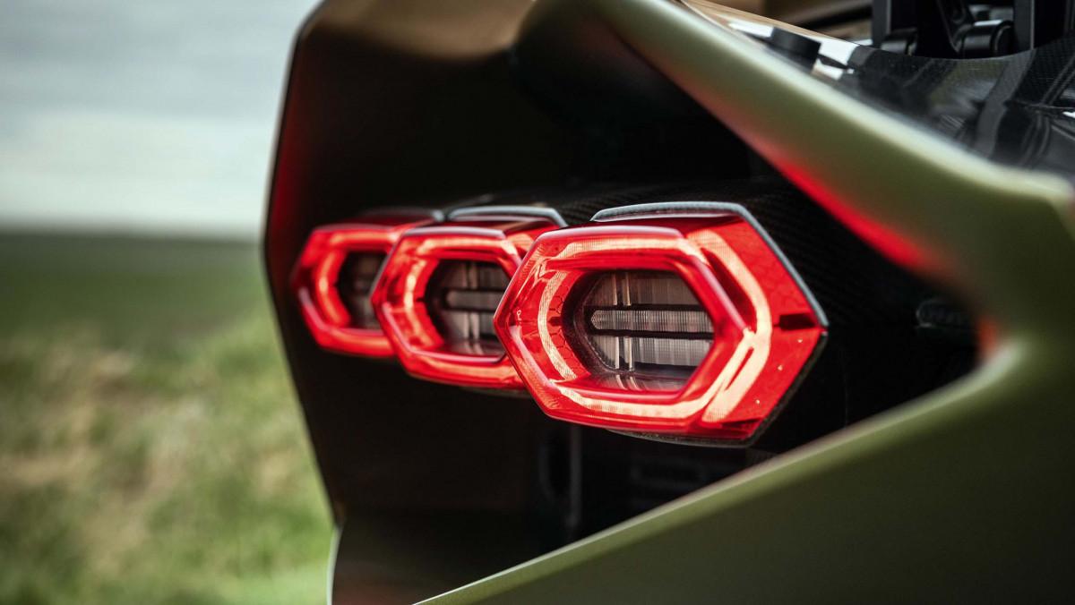 Lamborghini-hybrid-8