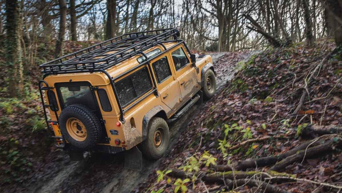 Land-Rover-Classic-7