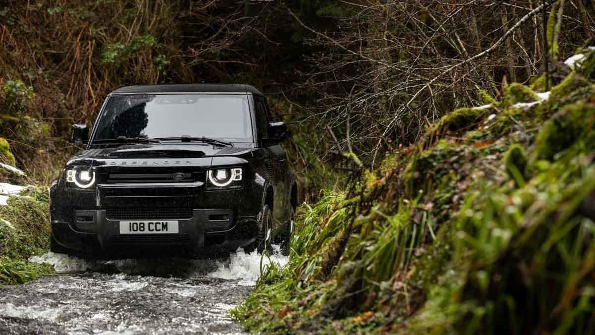 Land-Rover-Defender-4