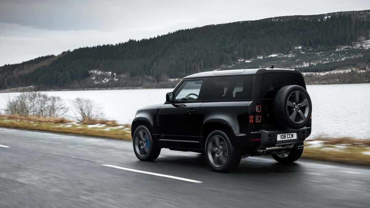 Land-Rover-Defender-8