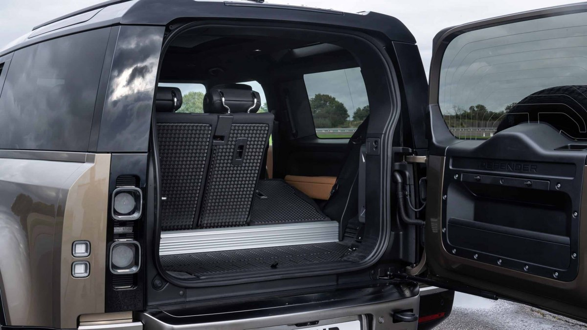 Land-Rover-Defender-review-10