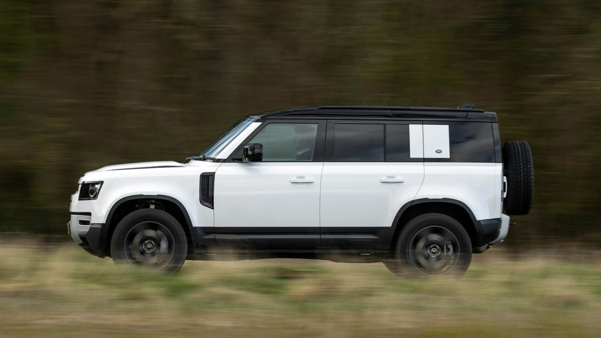 Land-Rover-Defender-review-16