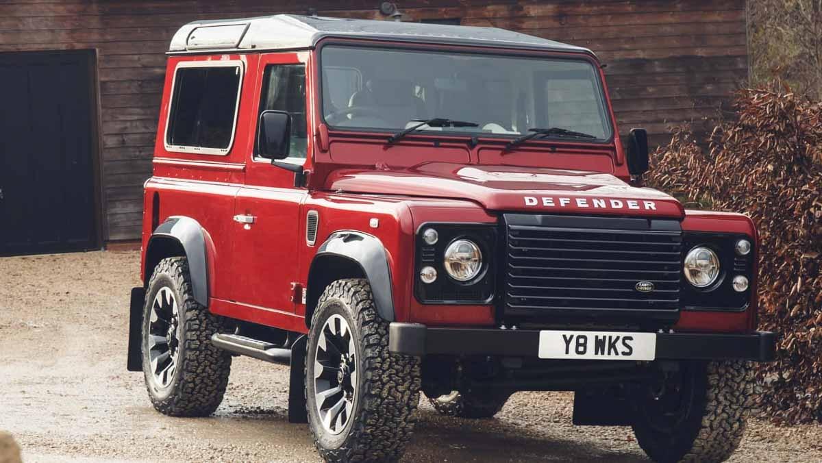 Land-Rover-Defender-Works-11