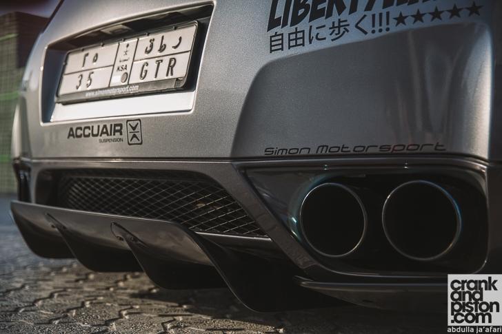 Liberty Walk Nissan GT-R crankandpiston-8