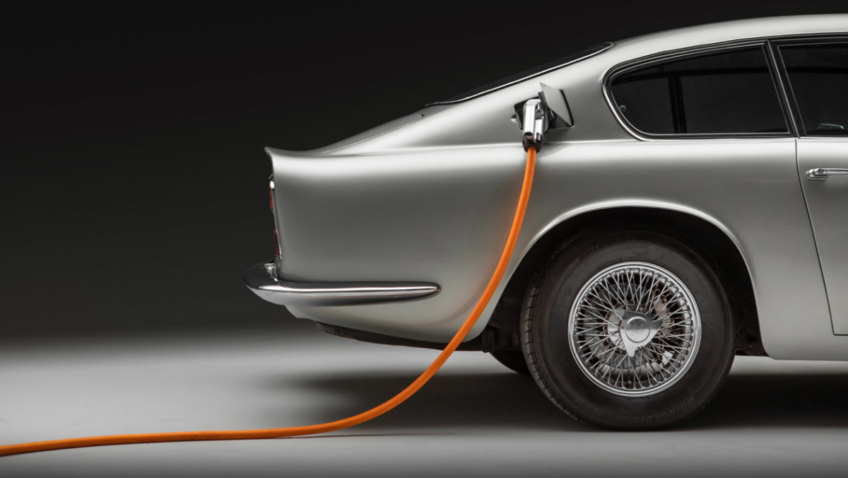 Lunaz-Aston-Martin-DB6-7