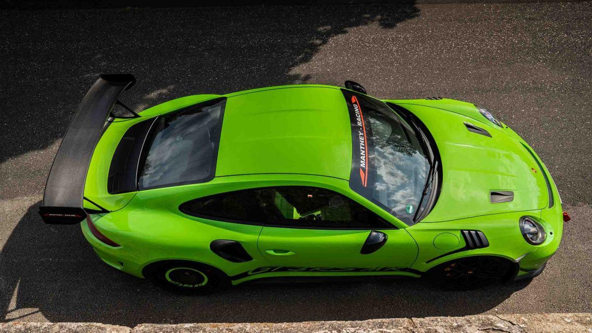Manthey-Racings-Porsche-14