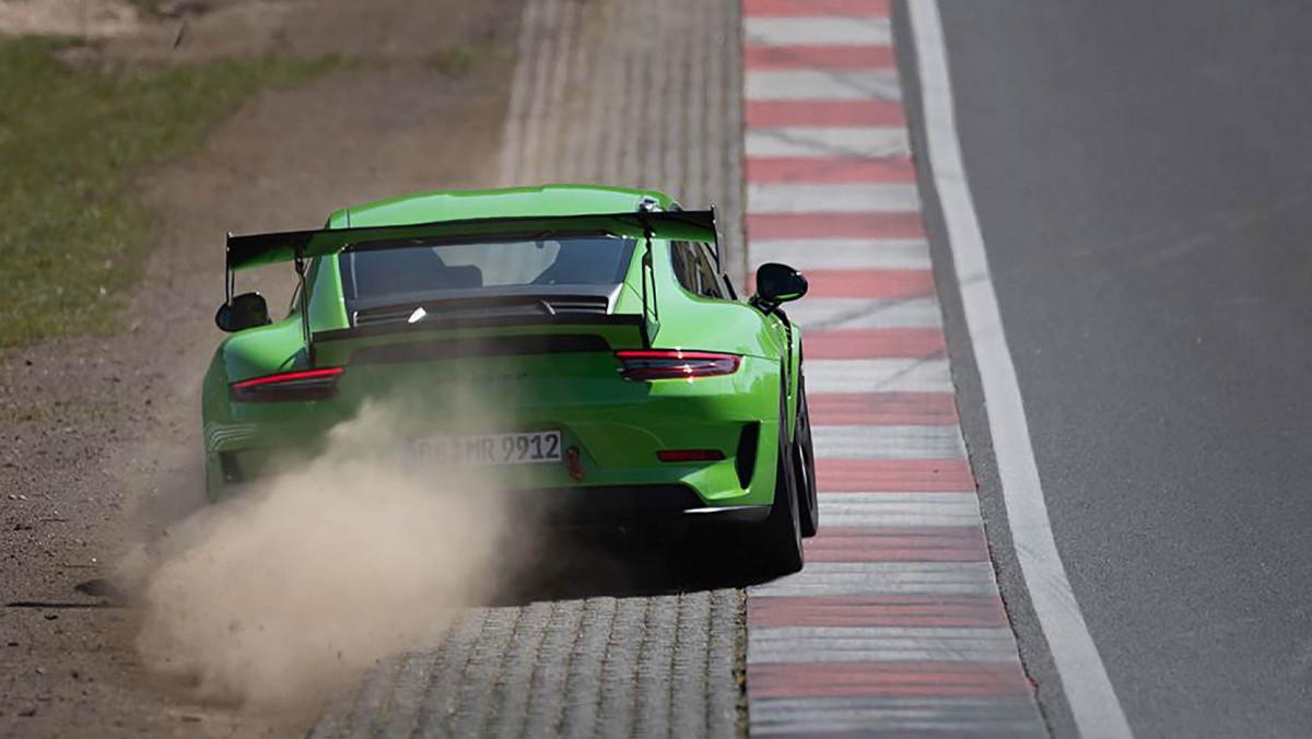 Manthey-Racings-Porsche-7