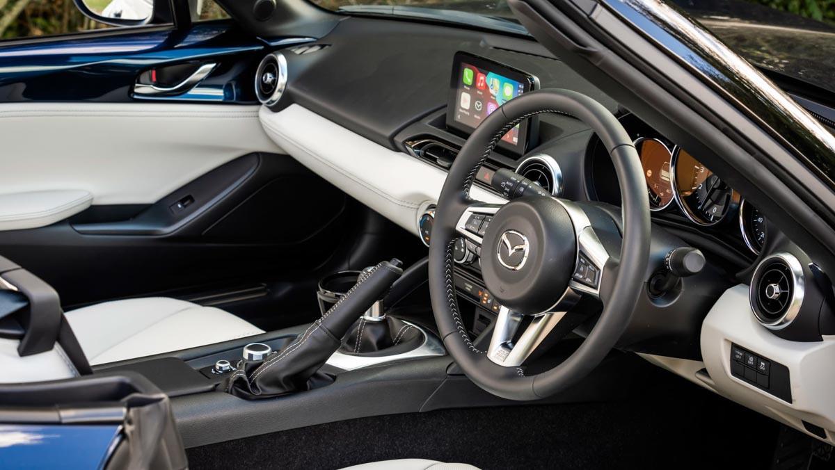 Mazda-MX-5-Sport-Venture-3
