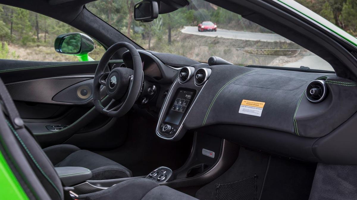 McLaren-570S-2020-11