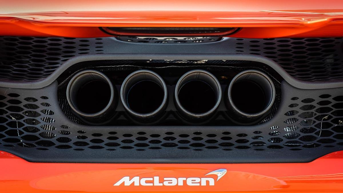 McLaren-765LT-2020-8