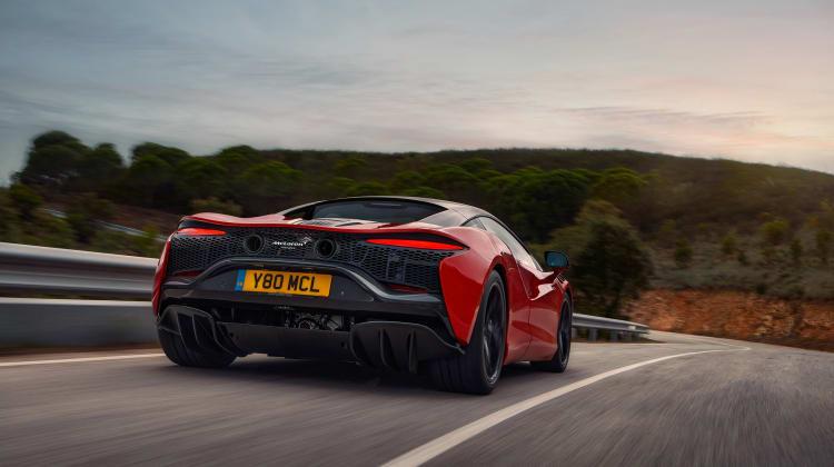 McLaren-Artura-10