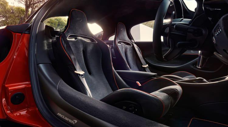 McLaren-Artura-14