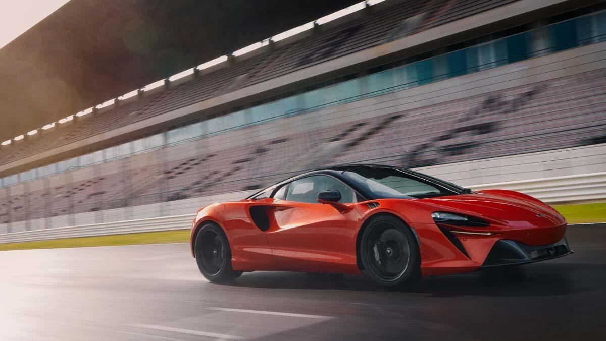 McLaren-Artura-13