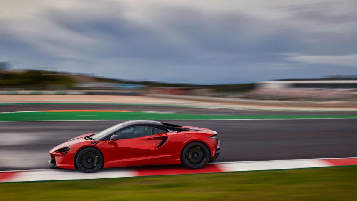 McLaren-Artura-16
