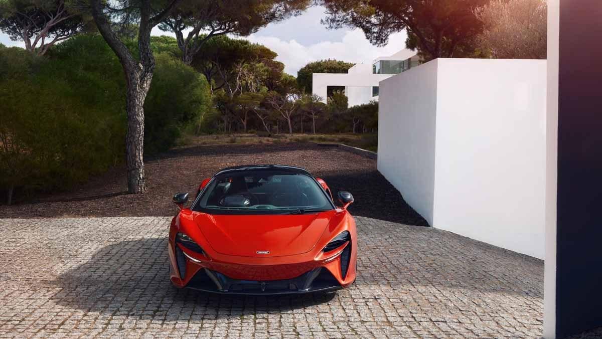 McLaren-Artura-28