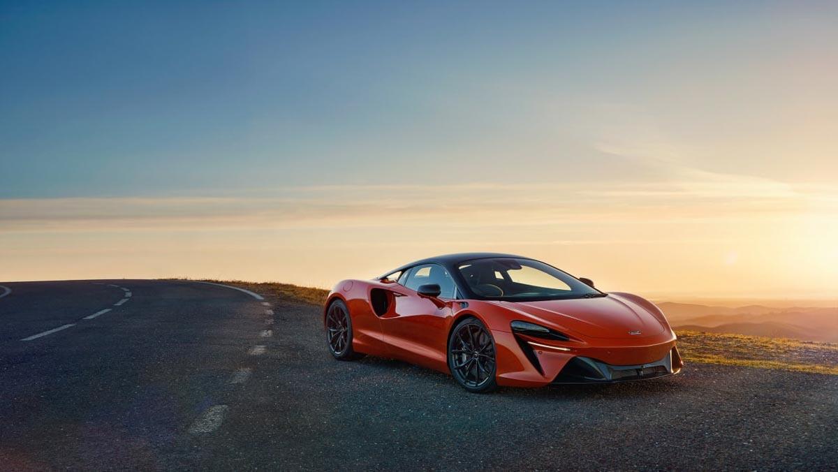 McLaren-Artura-23