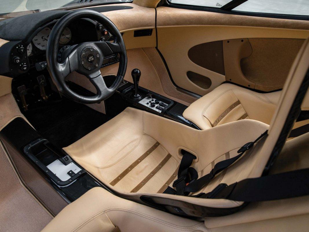 McLaren-F1-built-6