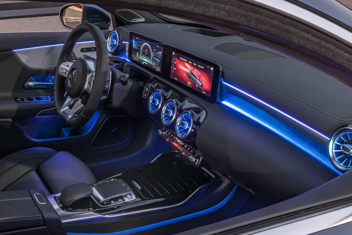 Mercedes-AMG A 35 4MATIC Limousine // Mercedes-AMG A 35 4MATIC Saloon (2019)