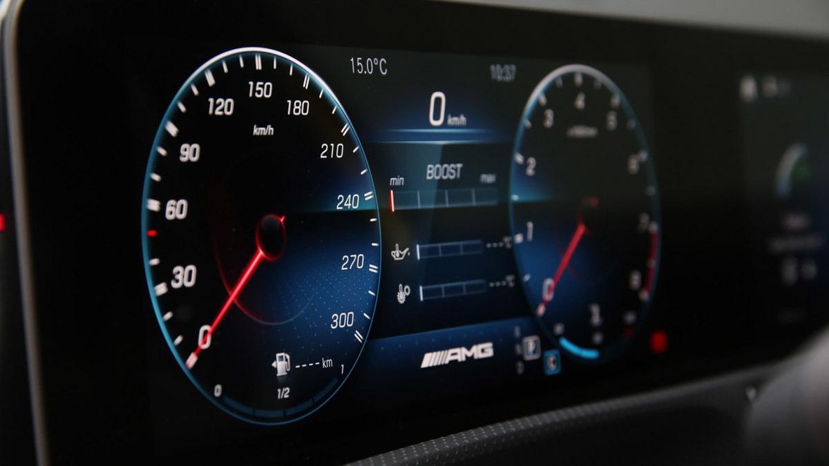 Mercedes-AMG-A45-S-7