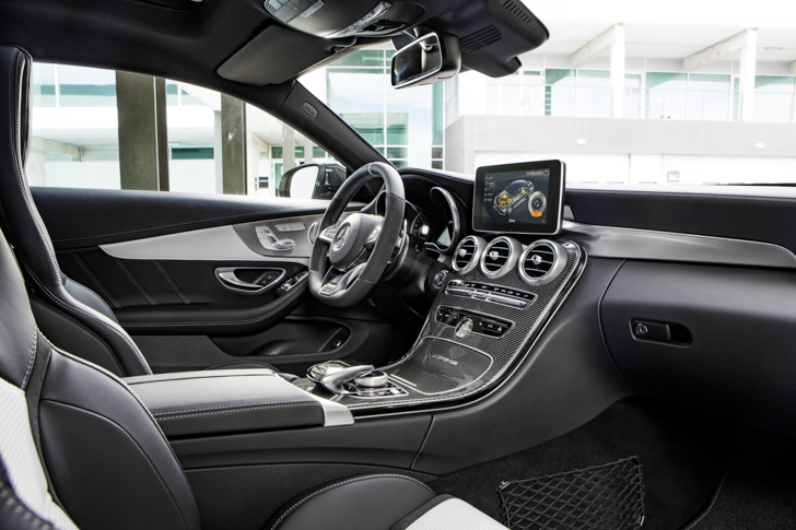 mercedes-amg-c-63-s-coupe-32