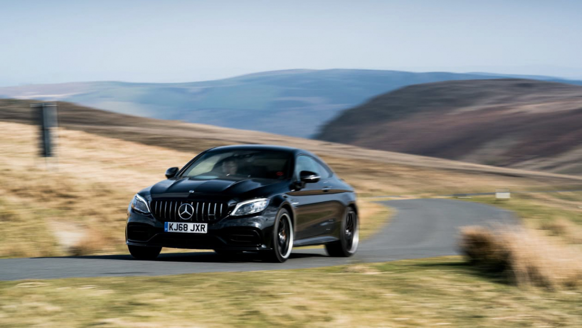 Mercedes-AMG-C63-S-Coupe-1