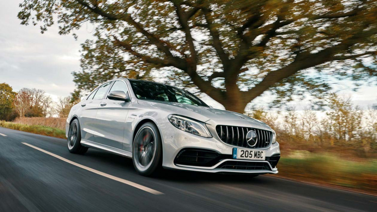 Mercedes-AMG-C63-S-1