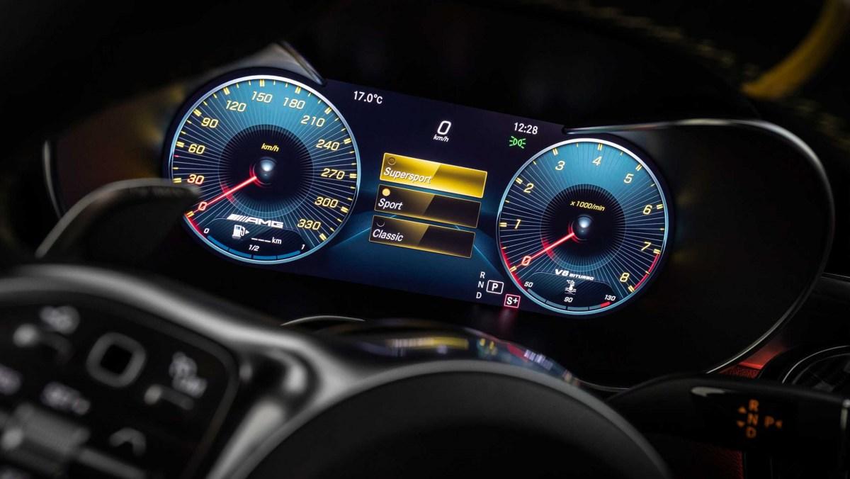 Mercedes-AMG-C63-S-13