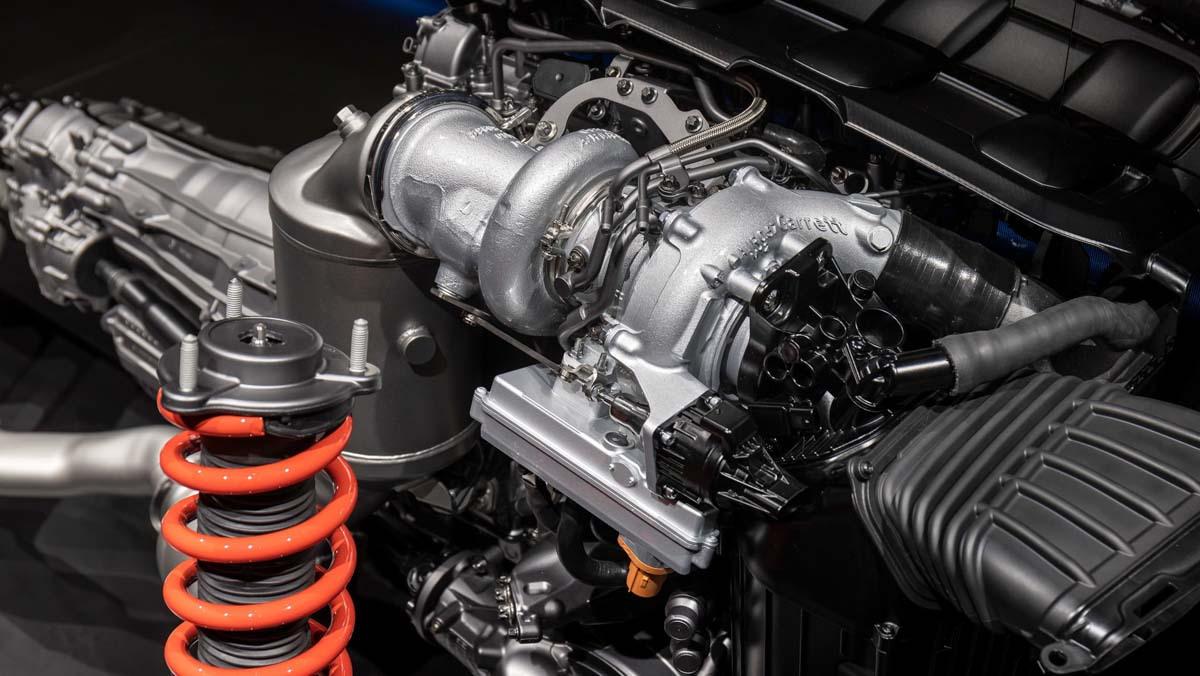 Mercedes-AMG-E-Performance-4