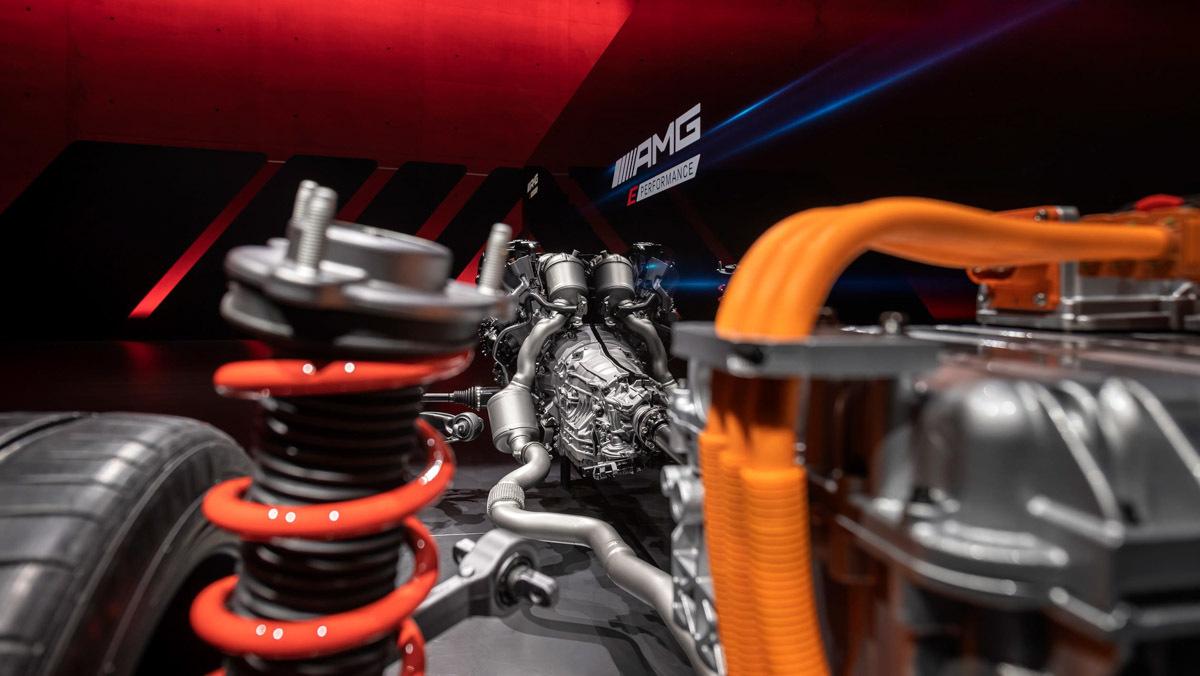 Mercedes-AMG-E-Performance-5