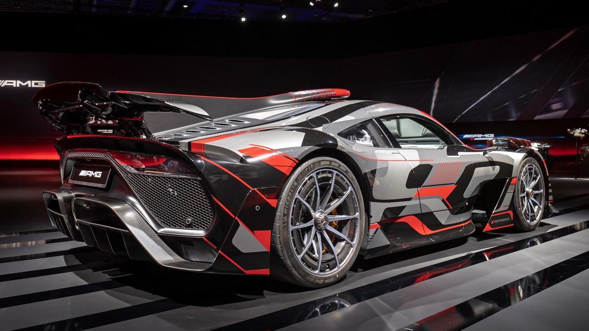 Mercedes-AMG-E-Performance-9