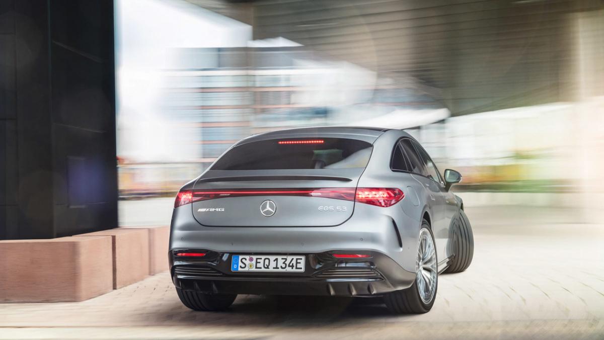 Mercedes-AMG-EQS53-5