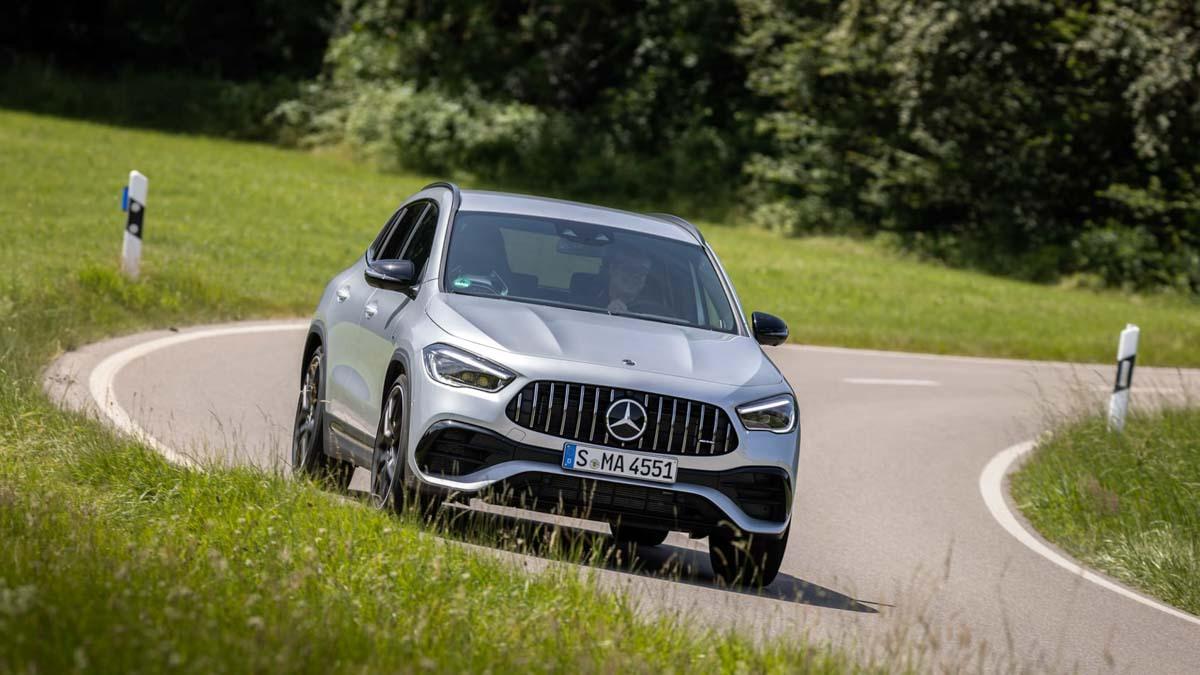 Mercedes-AMG-GLA45-S-10