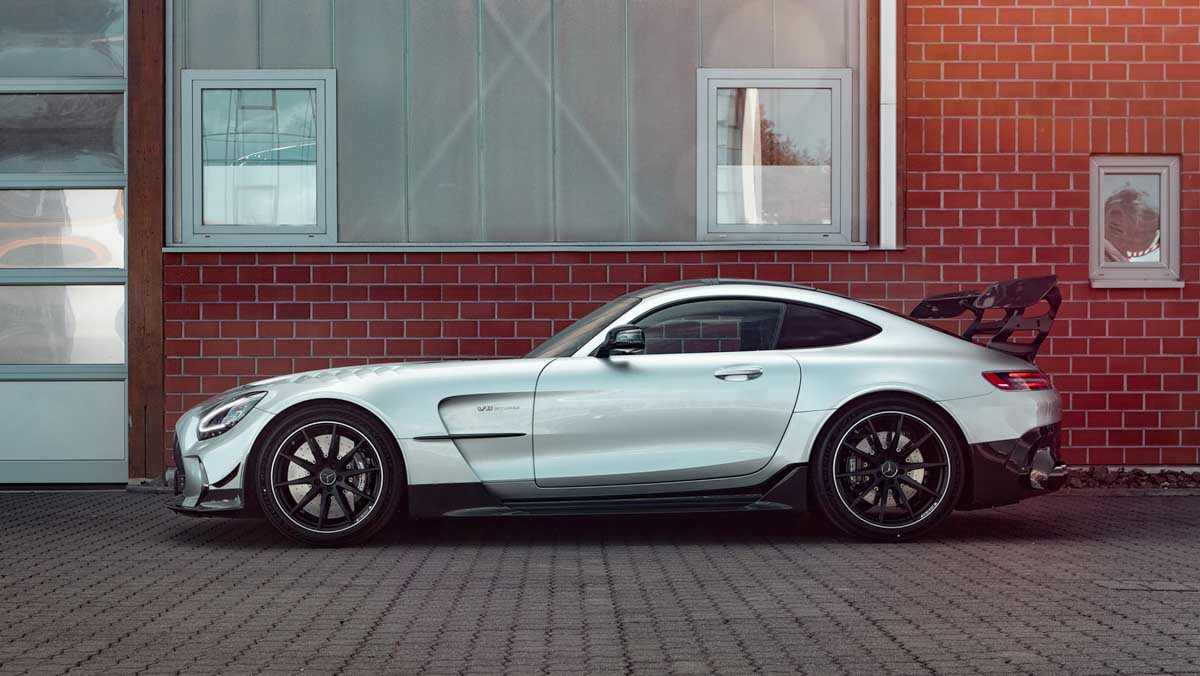 Mercedes-AMG-GT-Black-Series-4