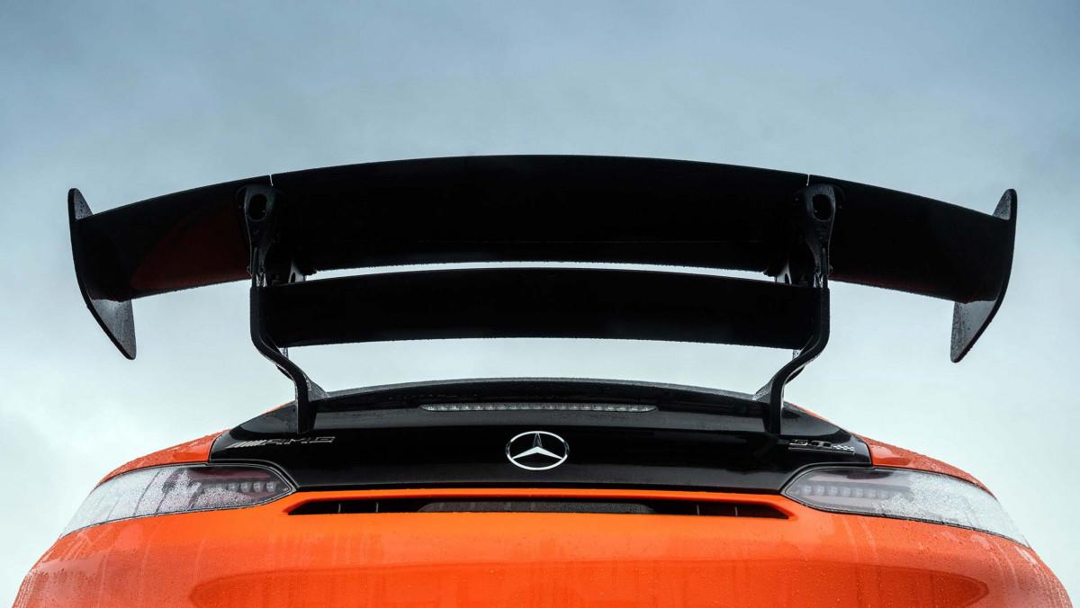 Mercedes-AMG-GT-Black-Series-2021-10
