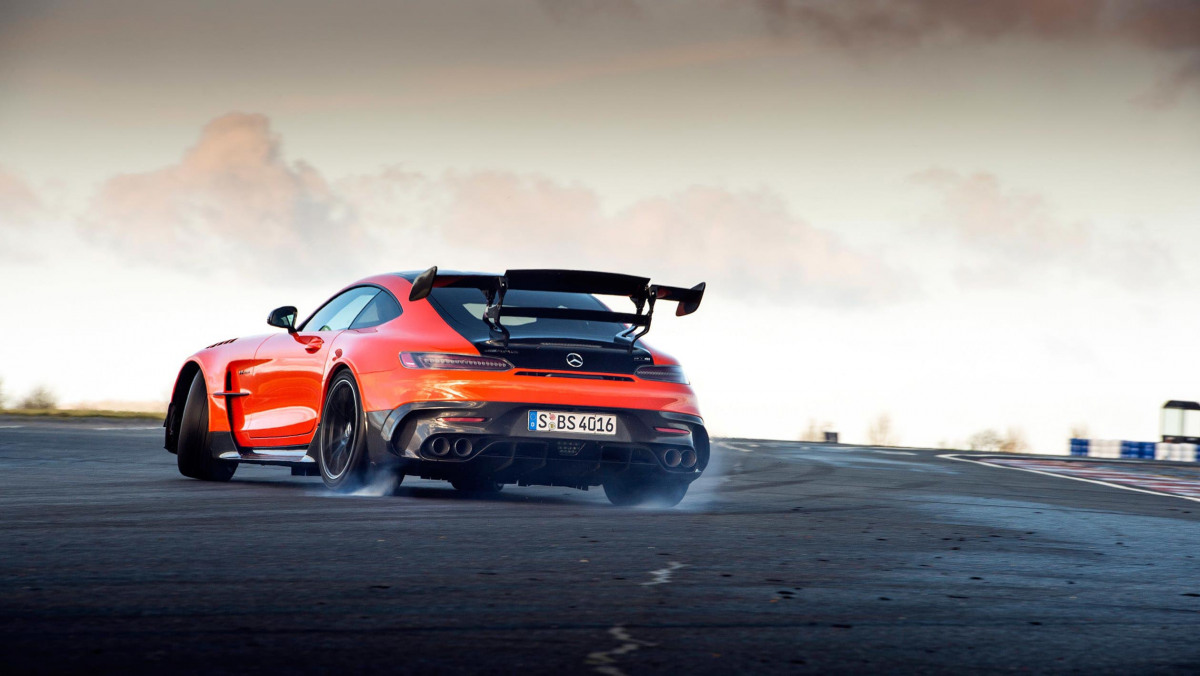 Mercedes-AMG-GT-Black-Series-2021-14