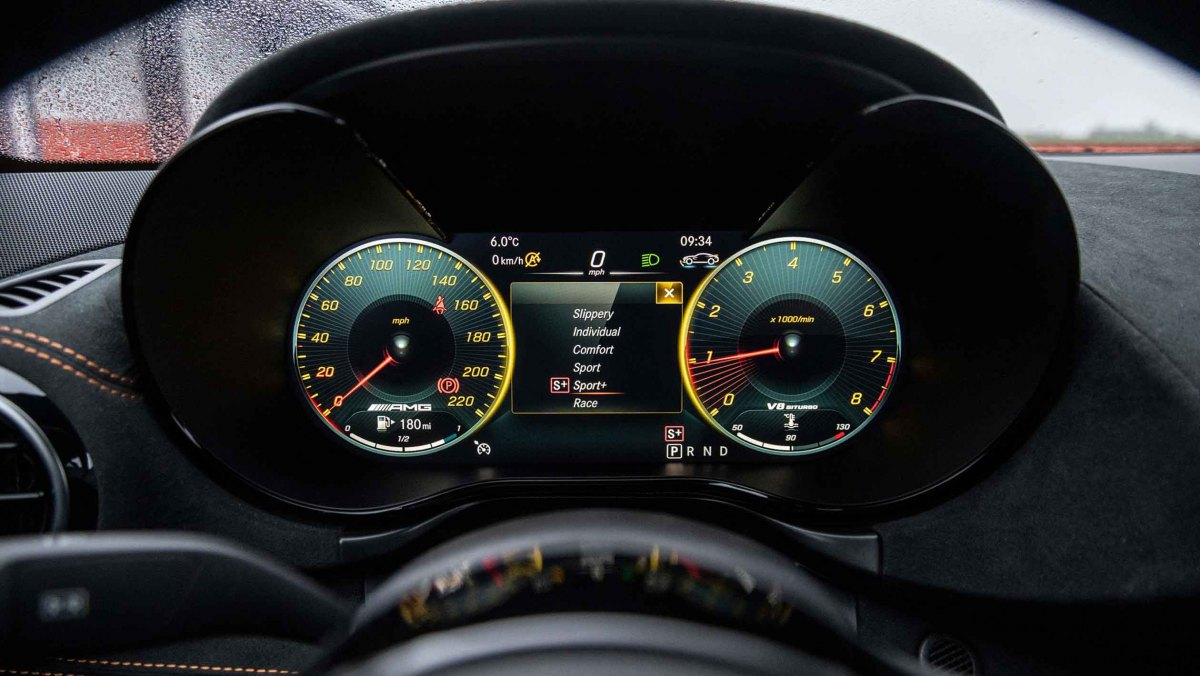 Mercedes-AMG-GT-Black-Series-2021-19