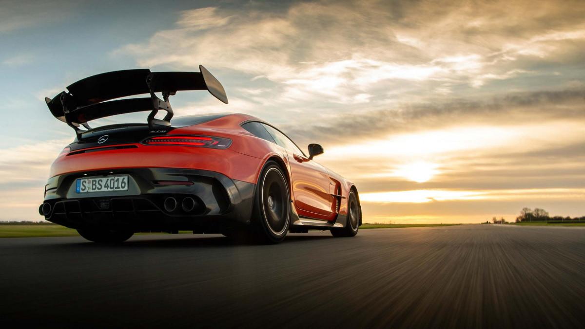 Mercedes-AMG-GT-Black-Series-2021-24