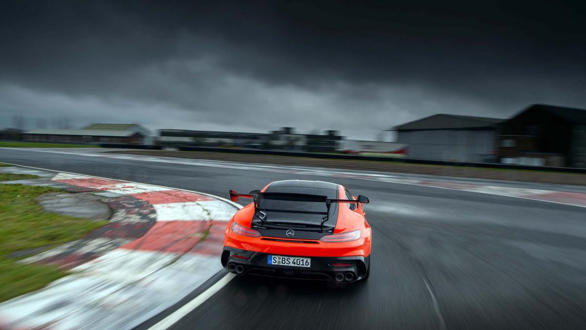 Mercedes-AMG-GT-Black-Series-2021-26