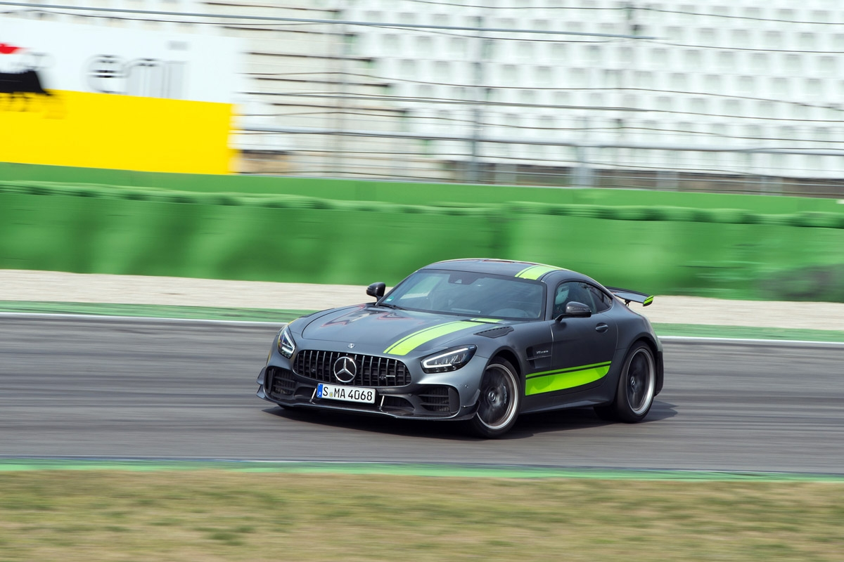 Mercedes-AMG GT R Pro review-2