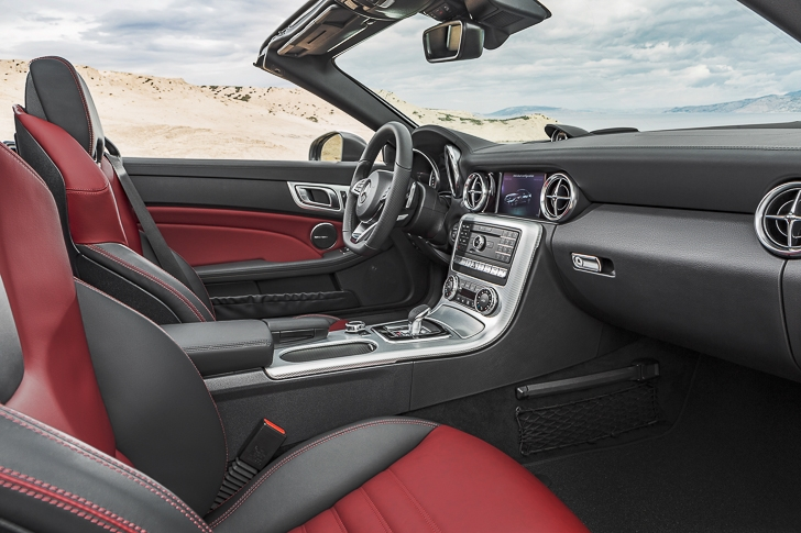 Mercedes-Benz SLC Roadster 16