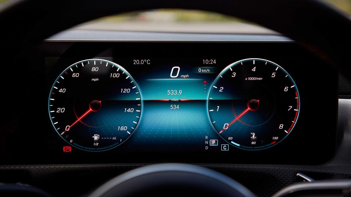 Mercedes-Benz-CLA250-Coupe-6