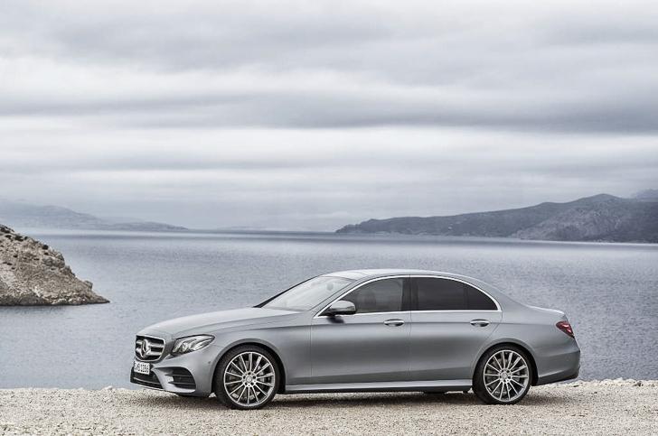 Mercedes-Benz E-Class 12
