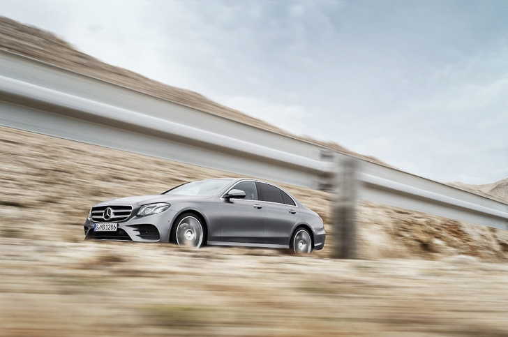 Mercedes-Benz E-Class 09