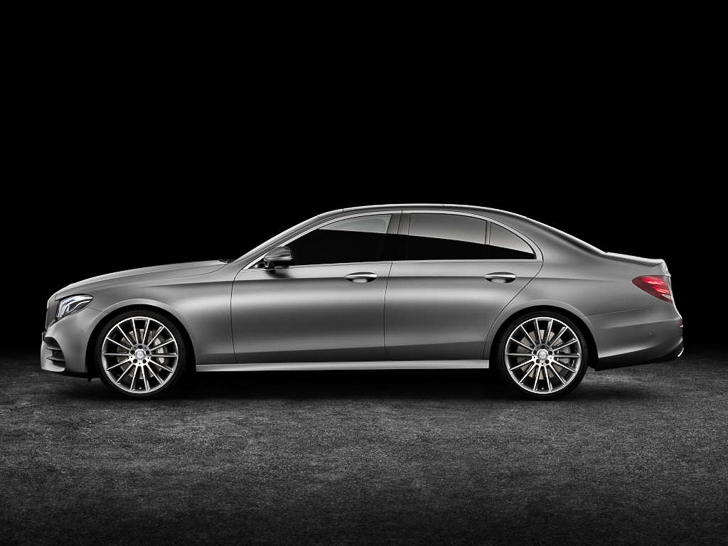 Mercedes-Benz E-Class 03