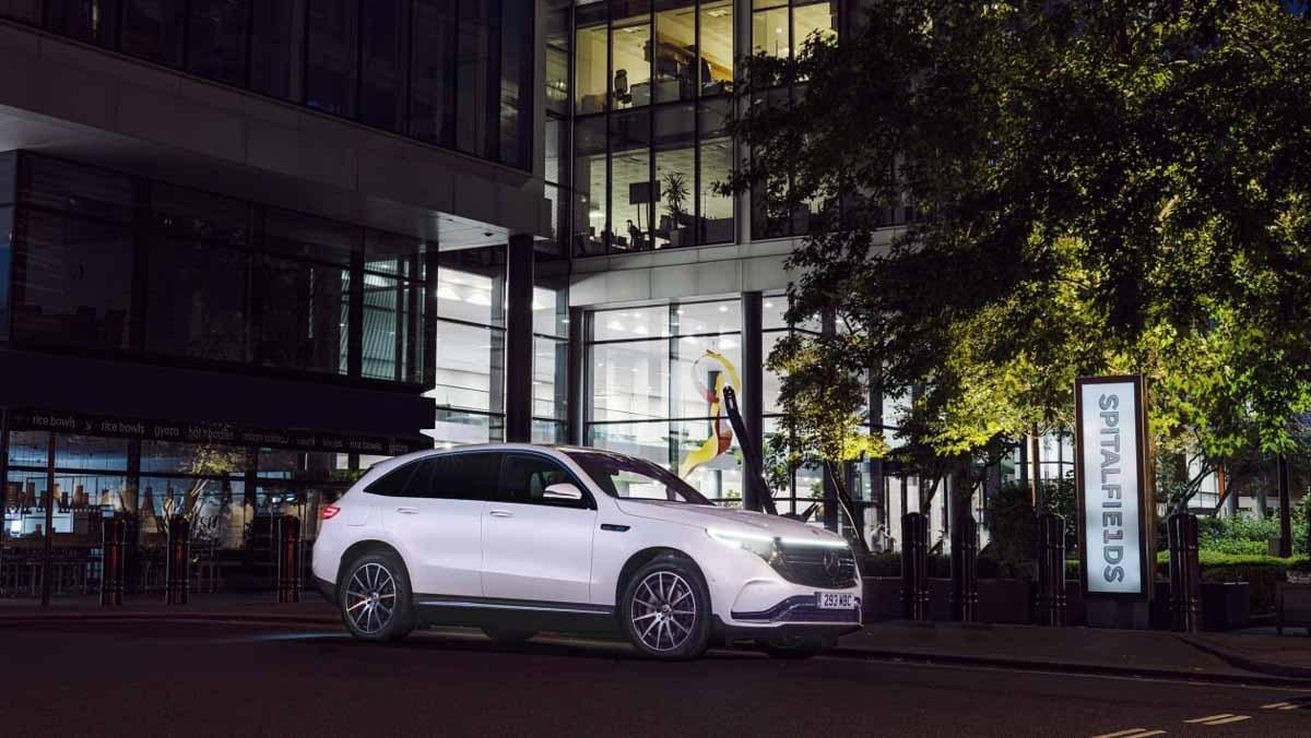 Mercedes-Benz-EQC-10