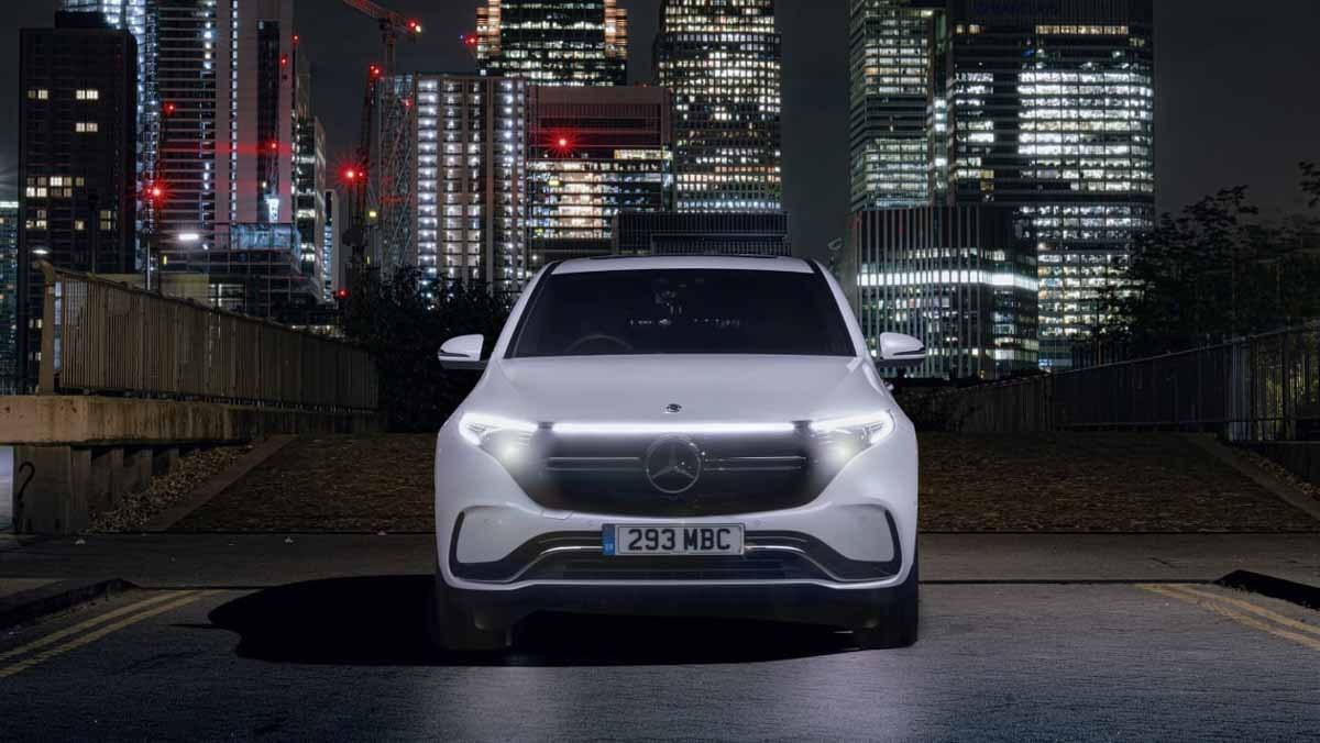 Mercedes-Benz-EQC-12
