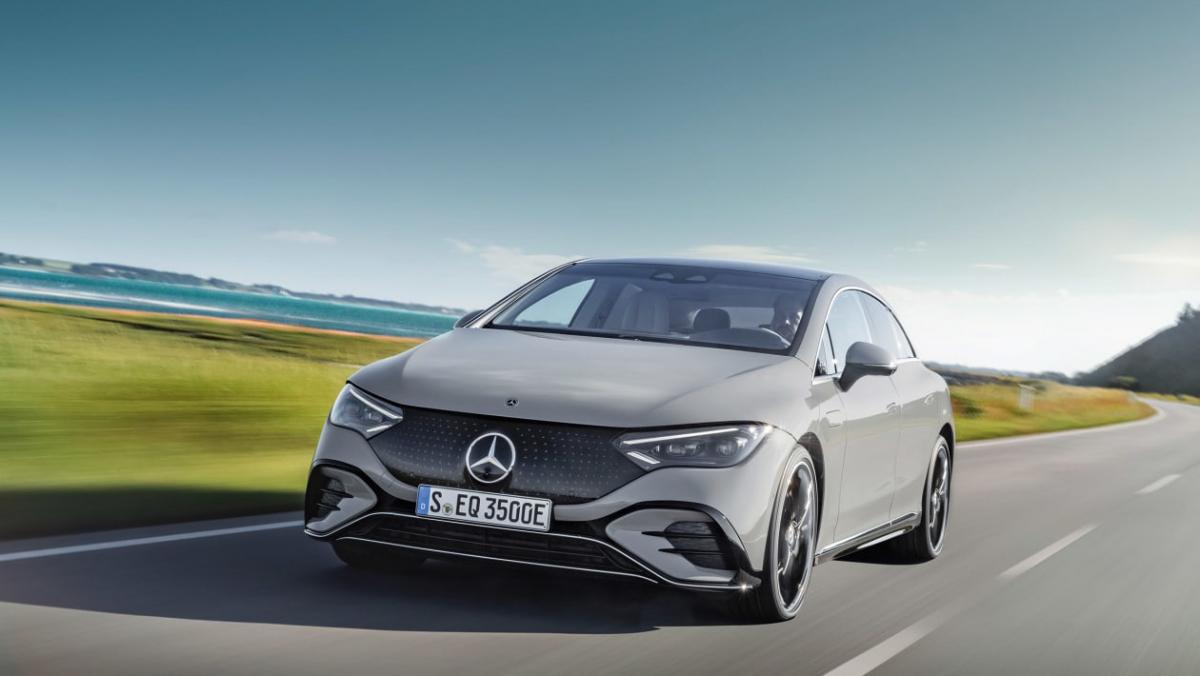 Mercedes-Benz-EQE-1