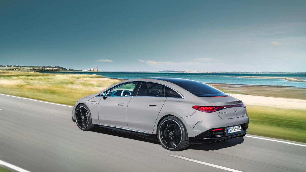Mercedes-Benz-EQE-2