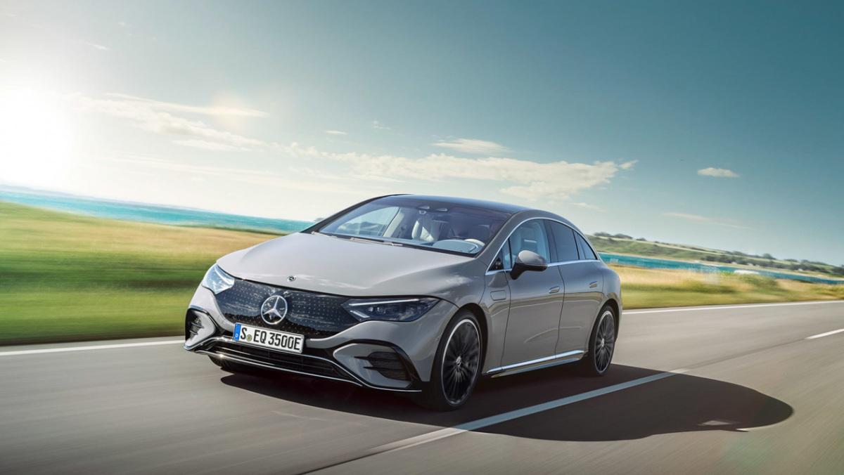 Mercedes-Benz-EQE-4