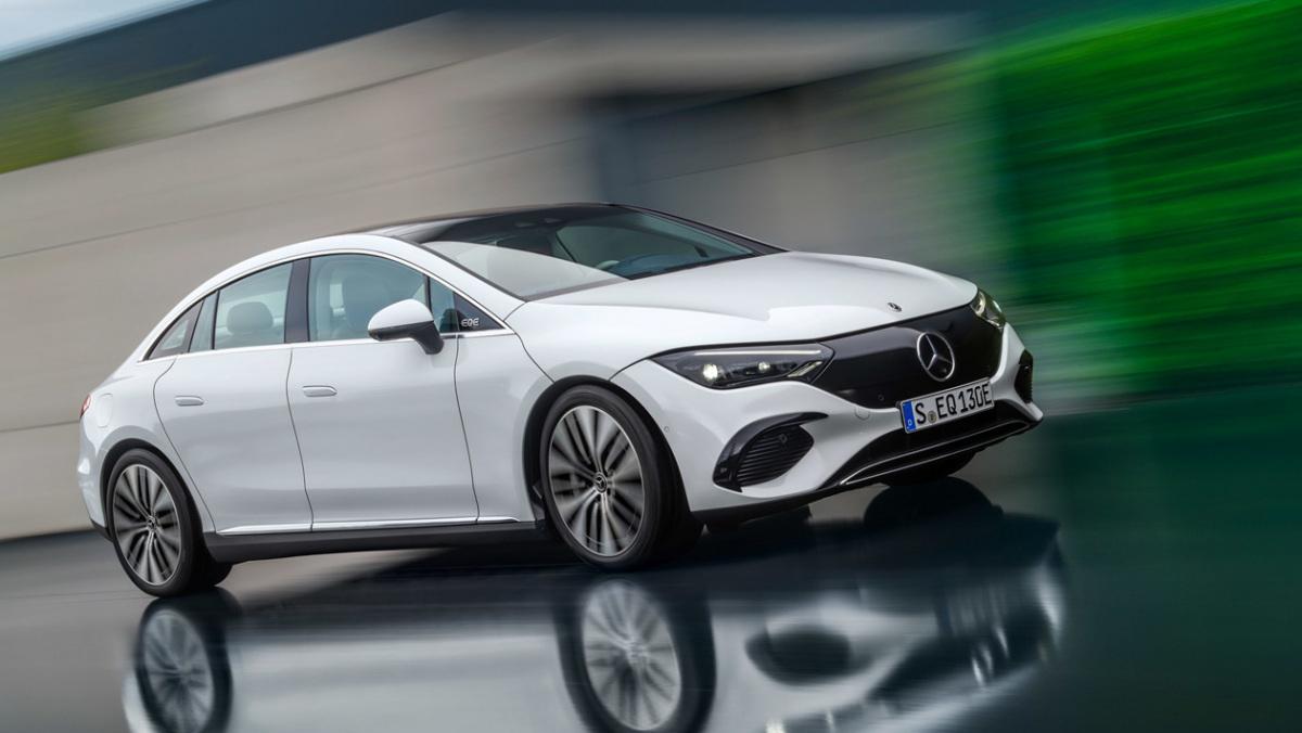 Mercedes-Benz-EQE-6